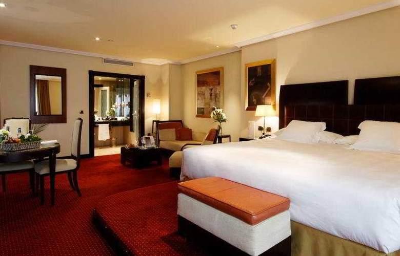 Hesperia Madrid - Room - 3