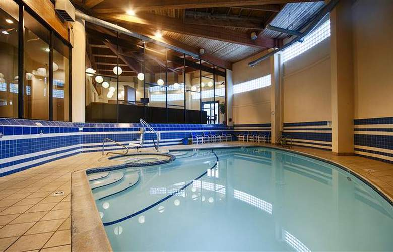 Best Western Bordentown Inn - Pool - 34