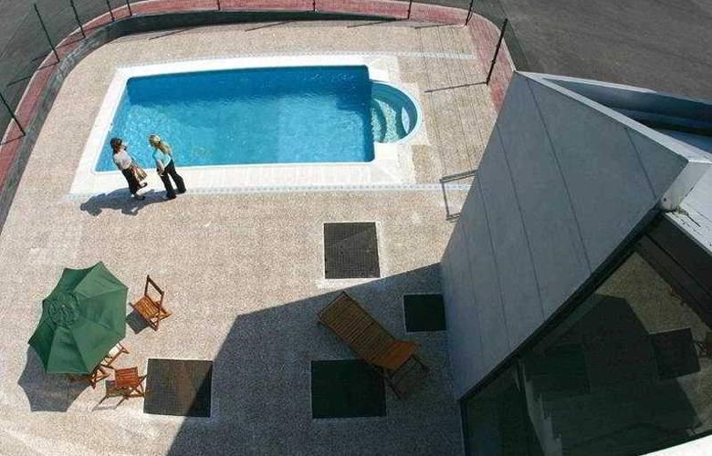 Puerta de Santillana - Pool - 6