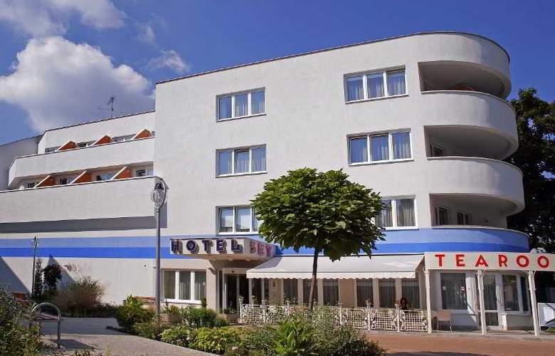 Set - Hotel - 0