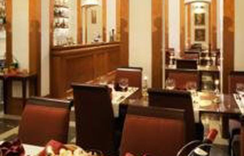 Majestic Plaza Prague - Restaurant - 11