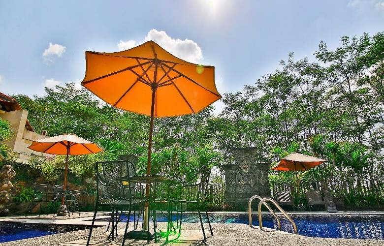 Taman Harum Cottages - Pool - 41