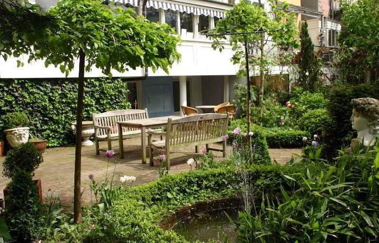 Sandton Hotel de Filosoof - Terrace - 8