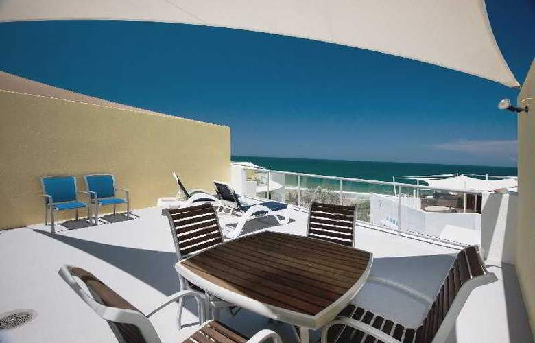 Rolling Surf Resort - Terrace - 9
