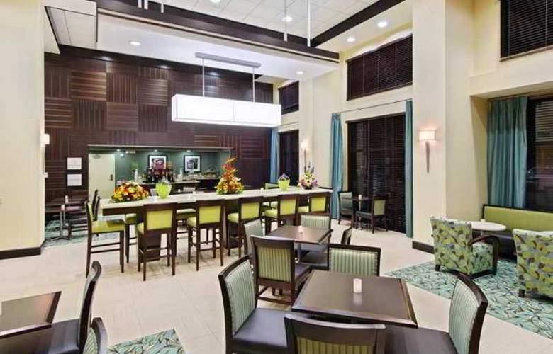 Hampton Inn & Suites Ft. Lauderdale - Hotel - 8