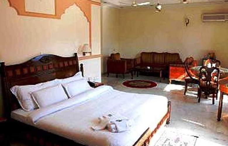Vasundhara Palace - Room - 4