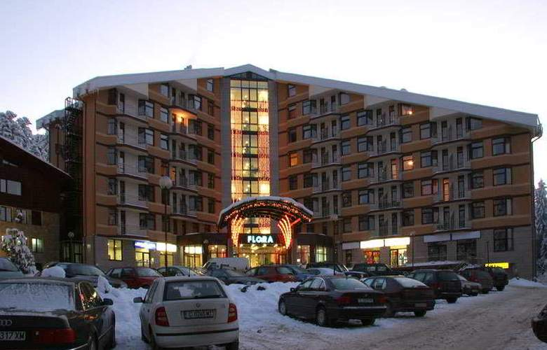 Persey Flora Apartments - Hotel - 0