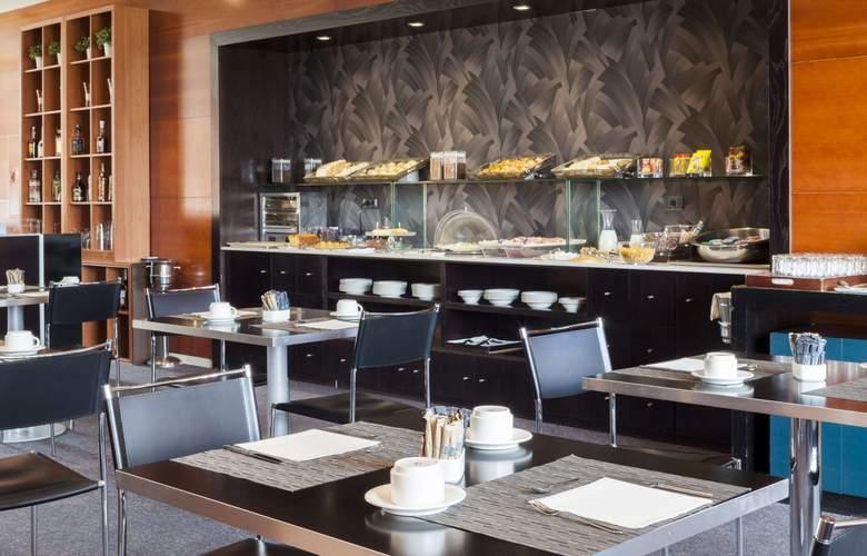 AC Palencia - Restaurant - 3