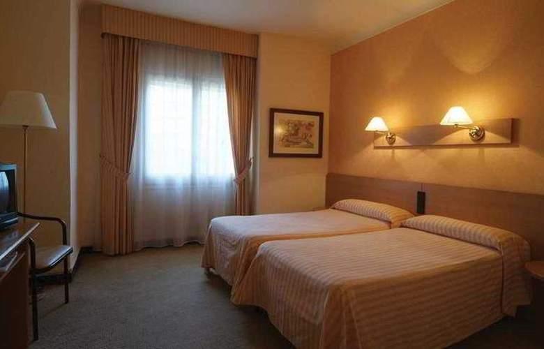 Pirineos Pelegri - Room - 0