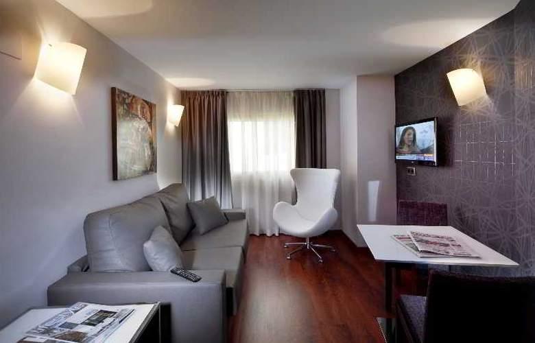 Nuevo Torreluz - Room - 24