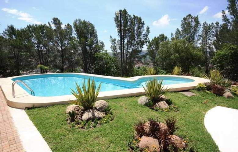 Hotel Guanajuato - Pool - 3
