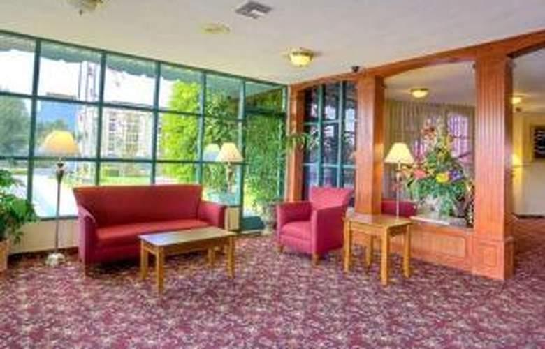 Clarion Hotel Near Fairplex - General - 1