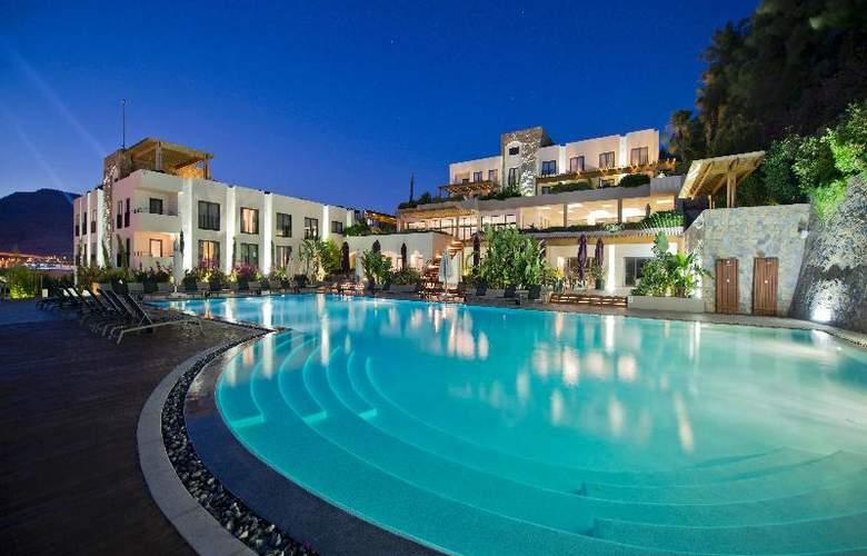Ramada Resort Bodrum - Pool - 24