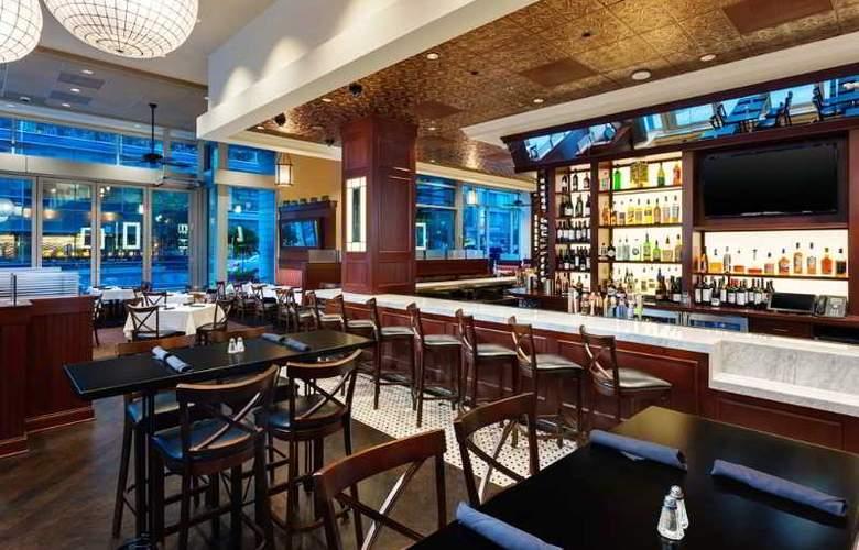 Hilton Garden Inn DC/Georgetown Area - Restaurant - 5