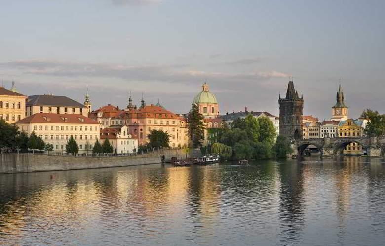 Four Seasons Prague - Hotel - 8