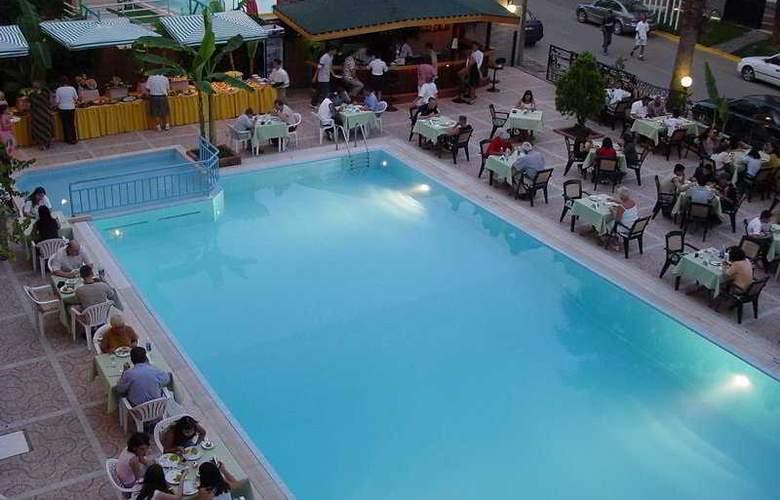 Sesin Hotel - Pool - 5