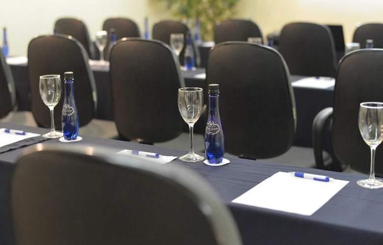 Le Relais La Borie - Conference - 16