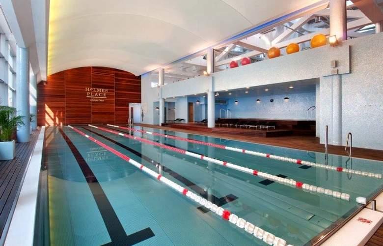 Hilton Warsaw - Pool - 4