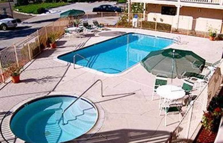 Heritage Inn La Mesa - Pool - 3