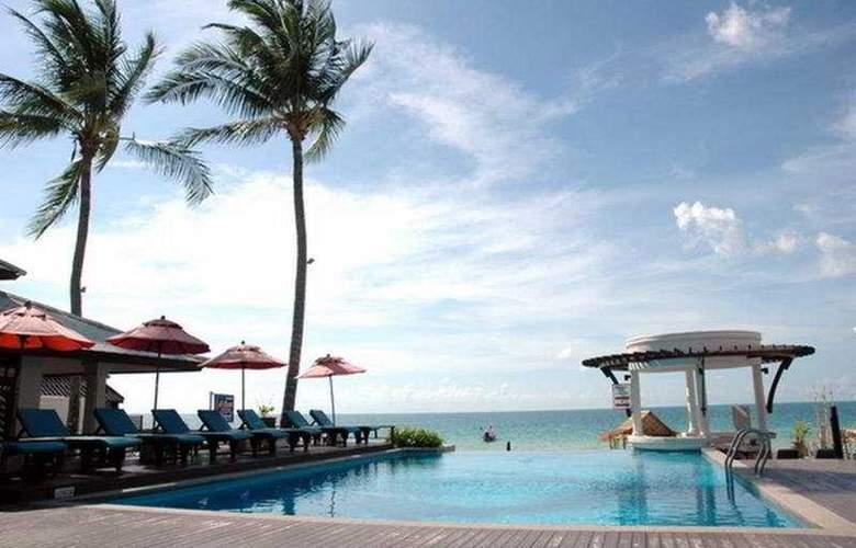 Al's Resort - Pool - 2