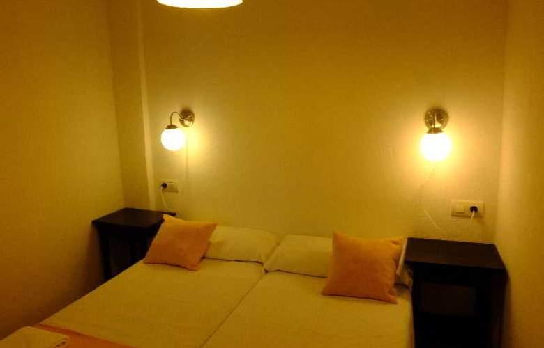 Urban Suites Granada - Room - 3
