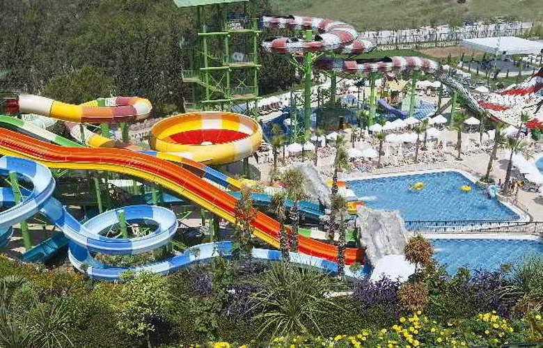 Crystal Sunset Luxury Resort & Spa - Pool - 3