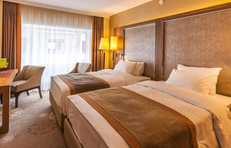 DoubleTree by Hilton Tyumen - Room - 14