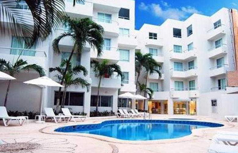 Ramada Cancun City - Pool - 4