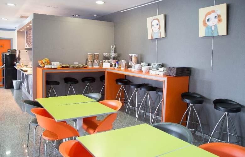 B&B Girona - Restaurant - 5