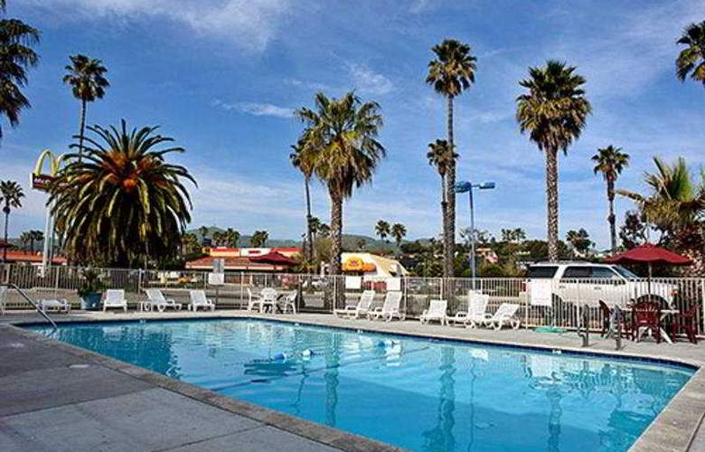 Motel 6 Ventura Beach - Pool - 3