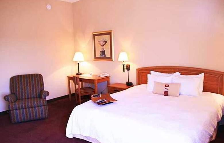 Hampton Inn Massillon - Hotel - 3
