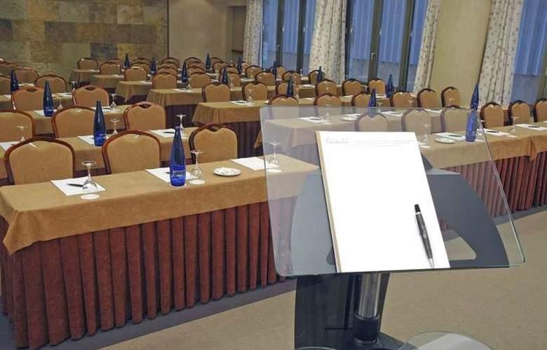 Villamadrid - Conference - 1