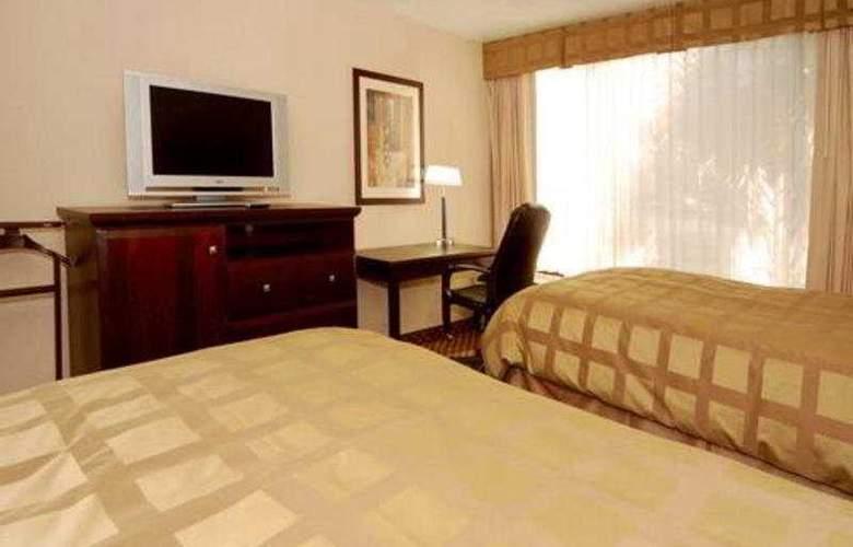 Quality Inn & Suites - Room - 6