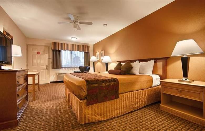 Best Western Plus Orchard Inn - Room - 43