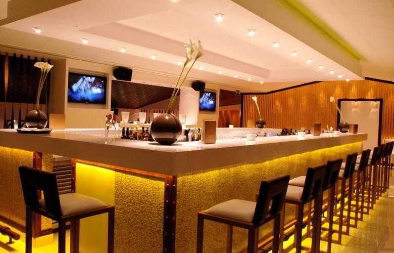 Grande Real Santa Eulalia Resort & Hotel Spa - Bar - 20