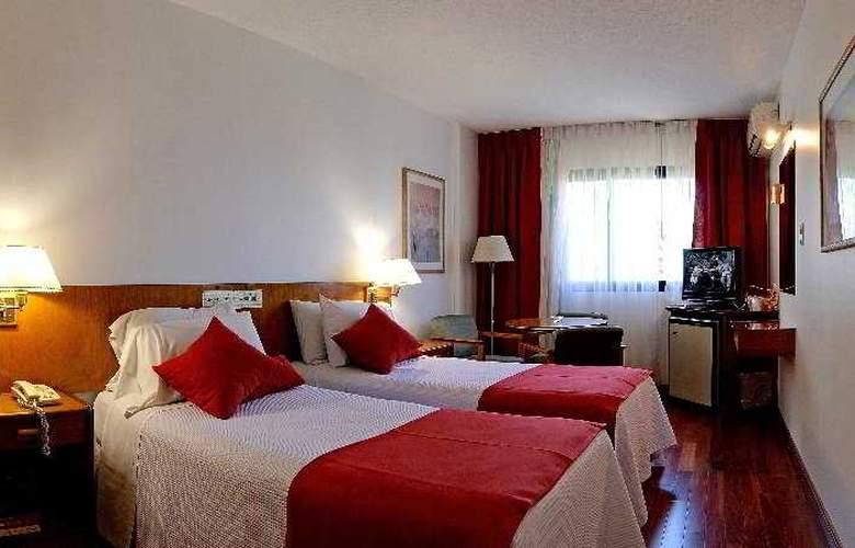 Balmoral Plaza - Room - 13
