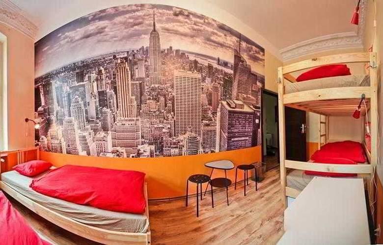 Poco Loco Hostel - Room - 5