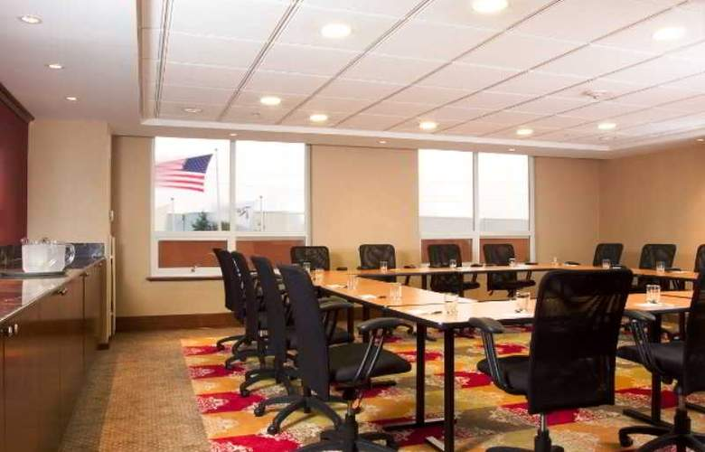 Hotel Executive Suites - Conference - 9
