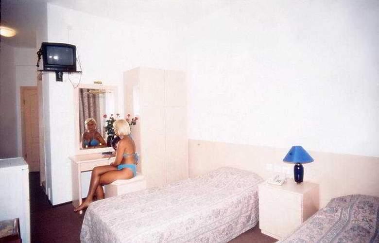 Sky Sea Gokdeniz Hotel - Room - 3
