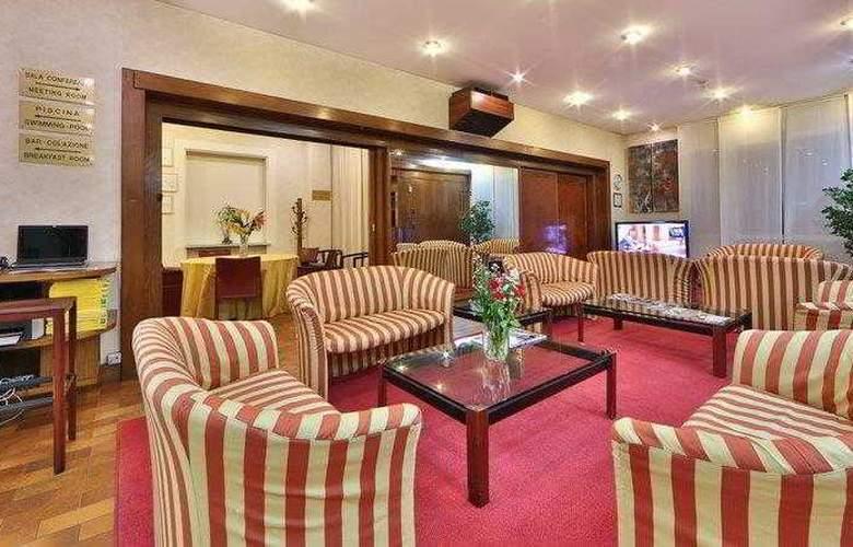 Best Western Jet Hotel - Hotel - 16