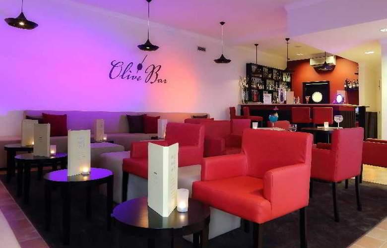 Vale d'Oliveiras Quinta Resort SPA - Bar - 9
