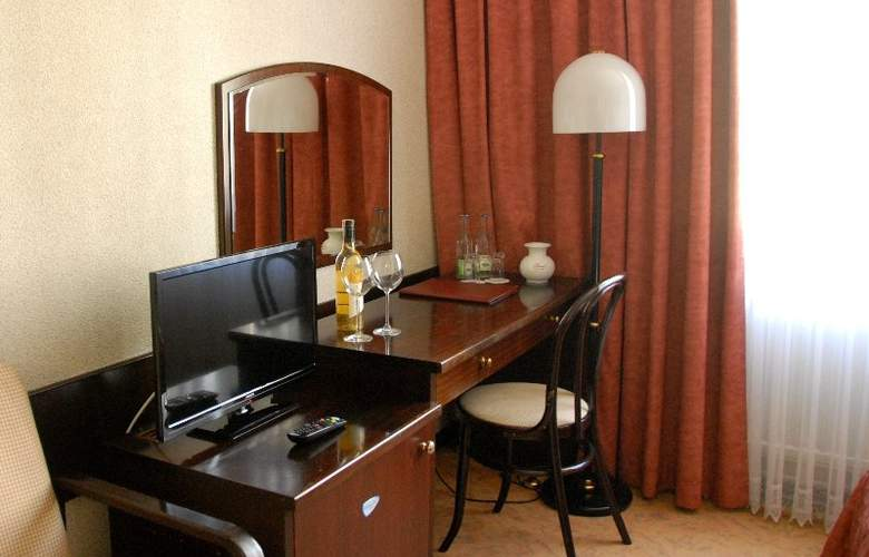 Demel - Room - 14