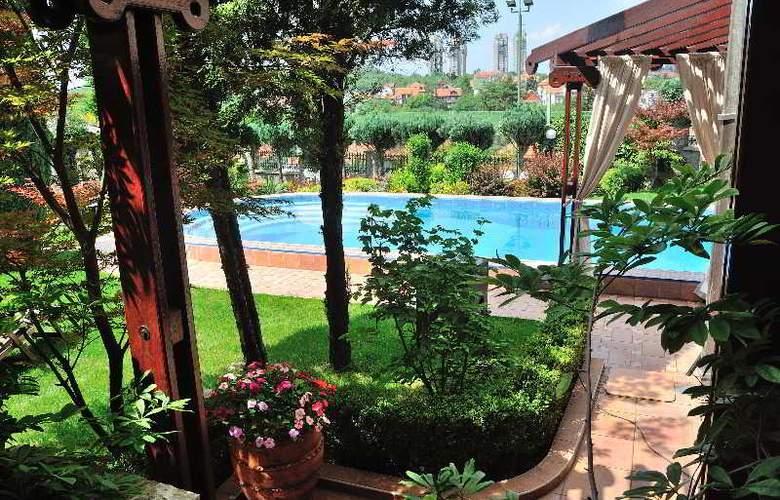 Villa Saga Paradiso - Pool - 46