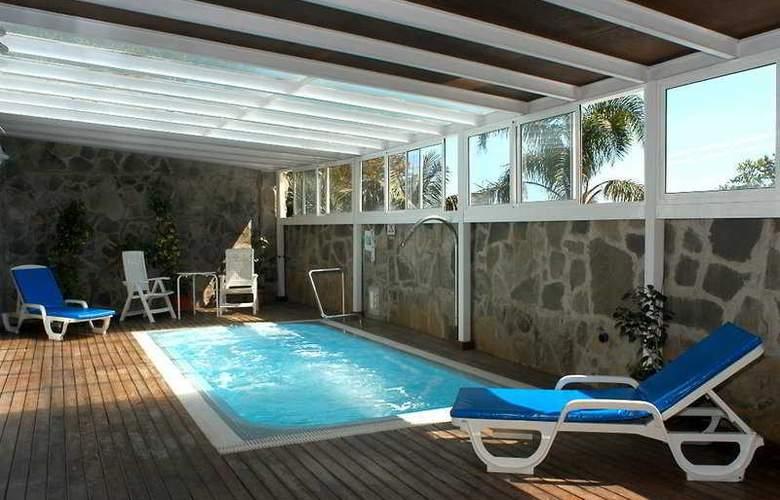 Elegance Miramar - Pool - 4