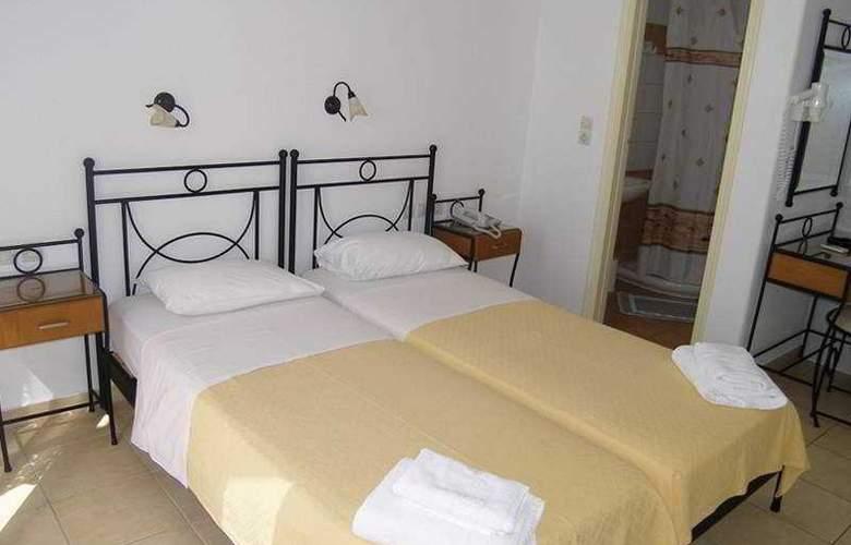 Avanti - Room - 2
