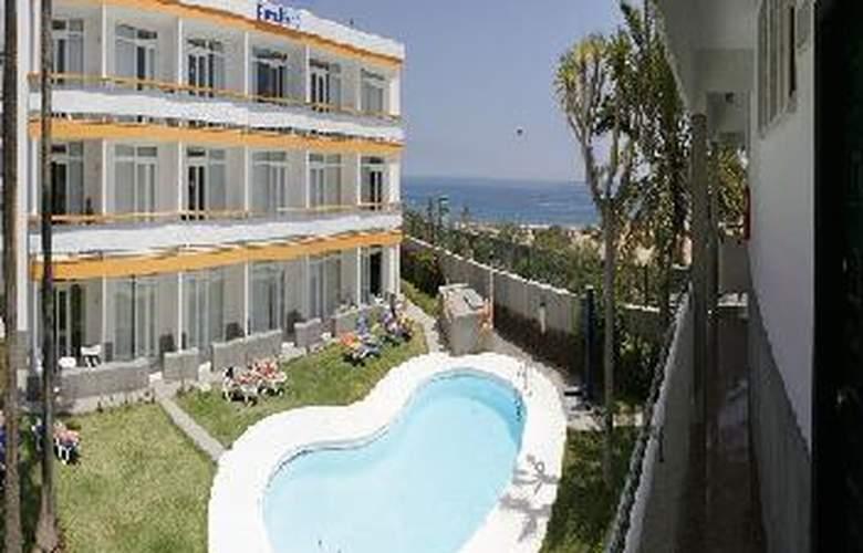 Apartamentos Arco Iris - Pool - 4
