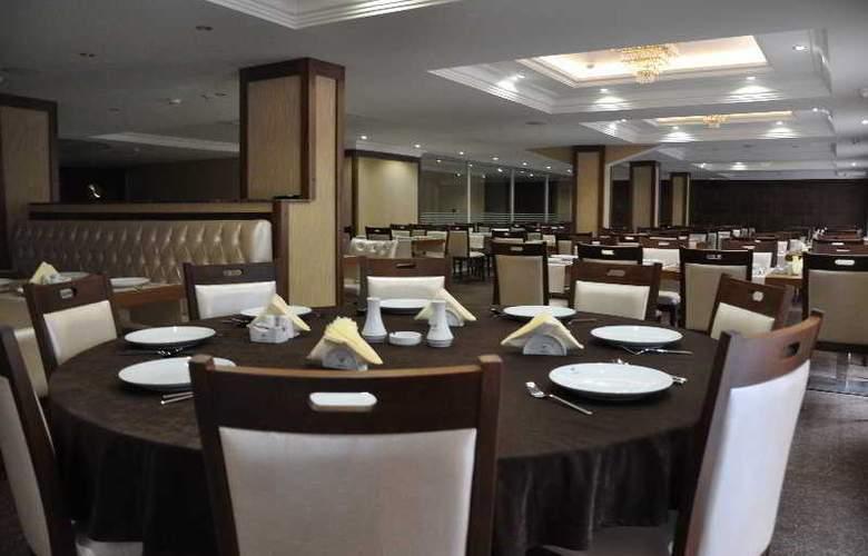 Tourist Hotel - Restaurant - 10