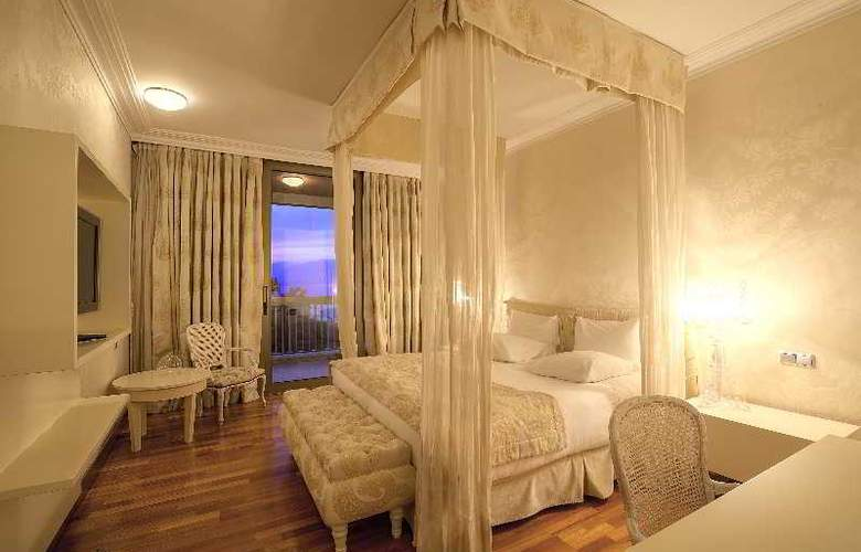 Classical Makedonia Palace - Room - 21