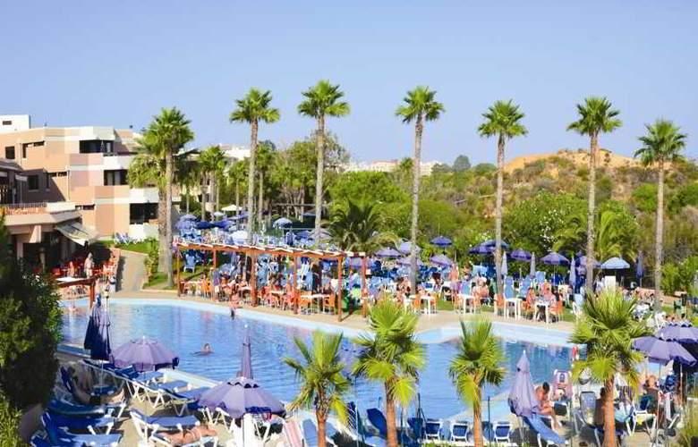 Auramar Beach Resort - Pool - 17