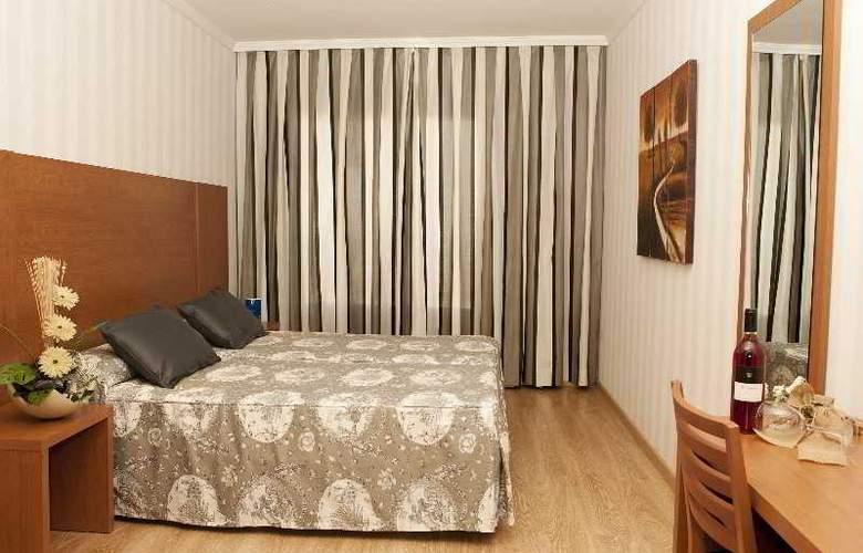 Ramblas Barcelona - Room - 12